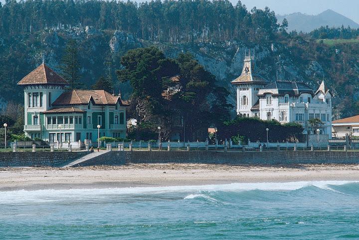 playa de Santa Marina. Arquitectura modernista