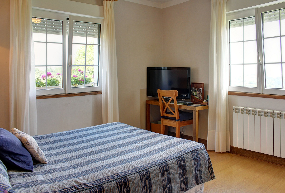 Habitación Doble del hotel Mirador del Sella con todos los servicios