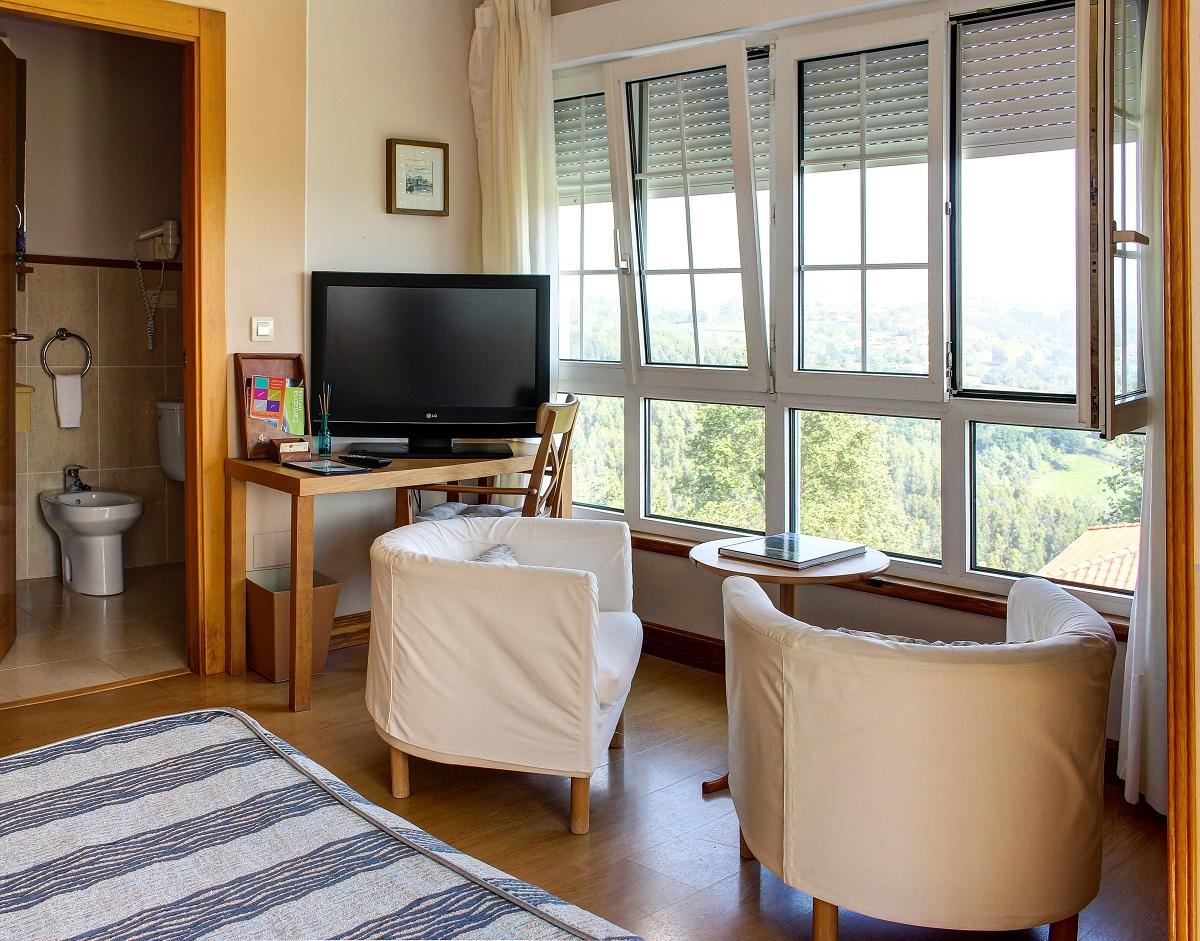 Habitación doble con vistas y todos los servicios del Hotel miradordel Sella