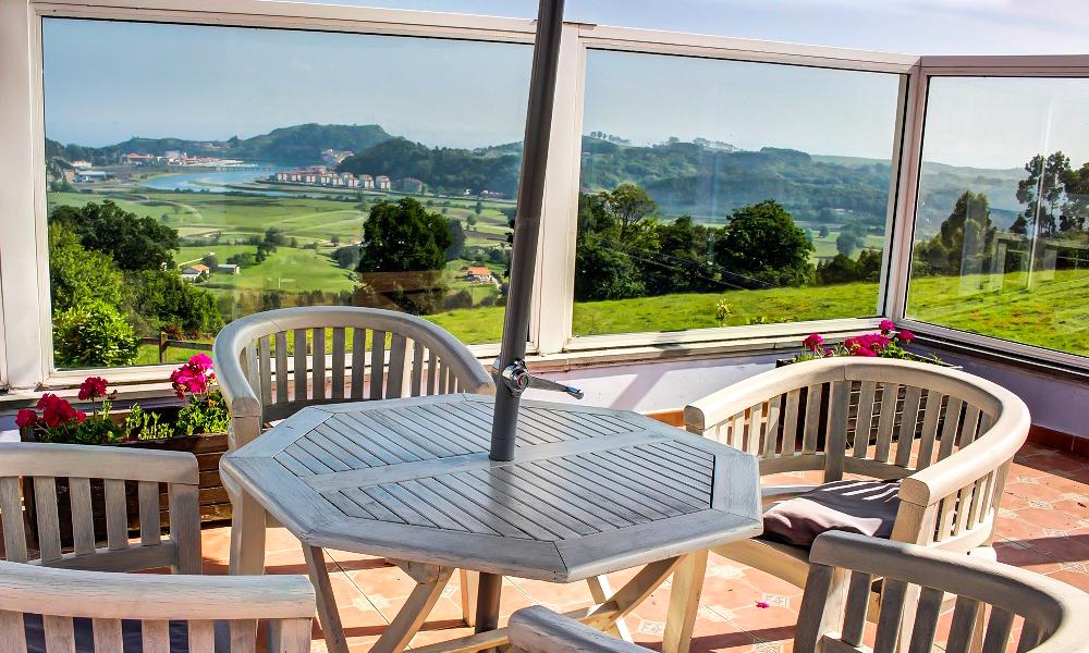 Terraza con vistas del hotel mirador del Sella