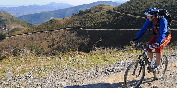 brutas de montaña en bicicleta